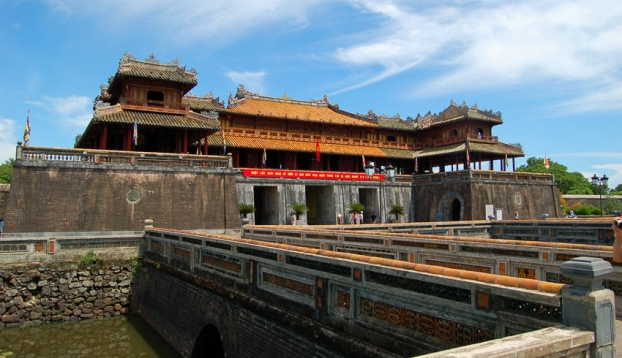 SHORE EXCURSIONS : TOUR FROM CHAN MAY PORT TO HUE