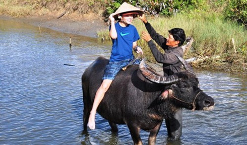 Hoi An offers unique farming experience to eco-tourists