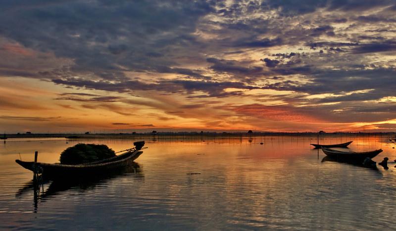Tam Giang Lagoon when visit Hue